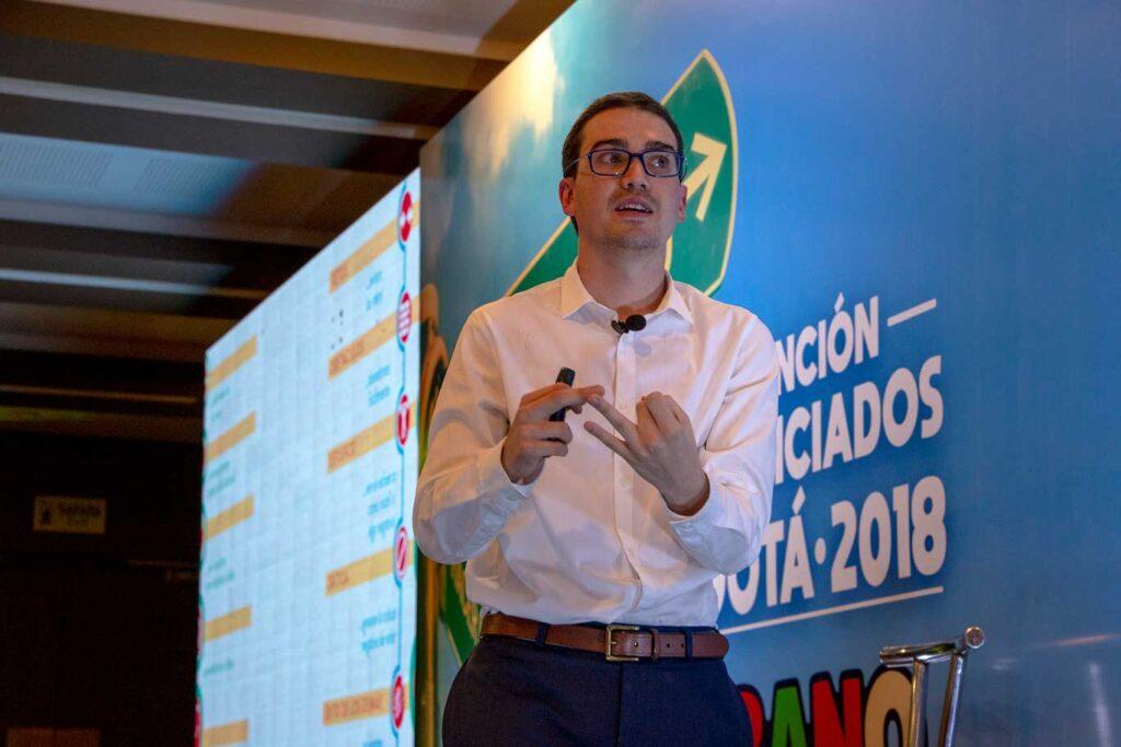 Conferencia de Juan David Aristizabal - Sandwich Qbano