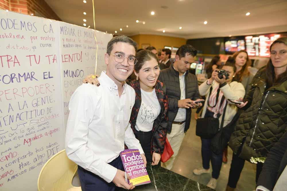 Juan David Aristizábal - Lanzamiento Libro Todos Podemos Cambiar el Mundo - Bogotá