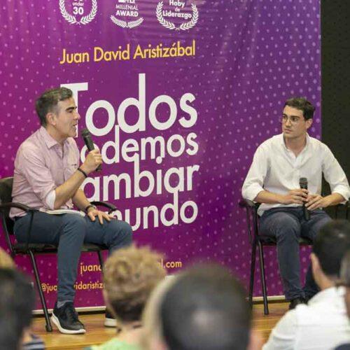 Conversatorio con Jorge Franco y Juan David Aristizábal - Lanzamiento Libro Todos Podemos Cambiar el Mundo Medellín