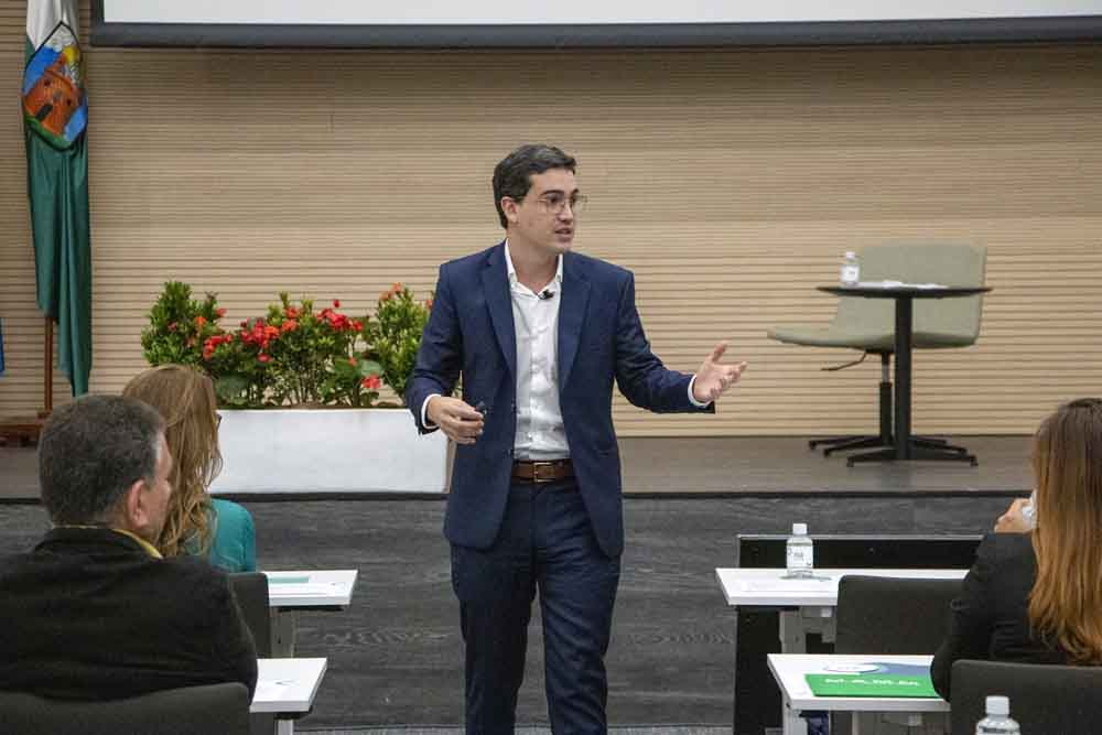 Conferencia de Juan David Aristizábal - FGI Garantías Inmobiliarias