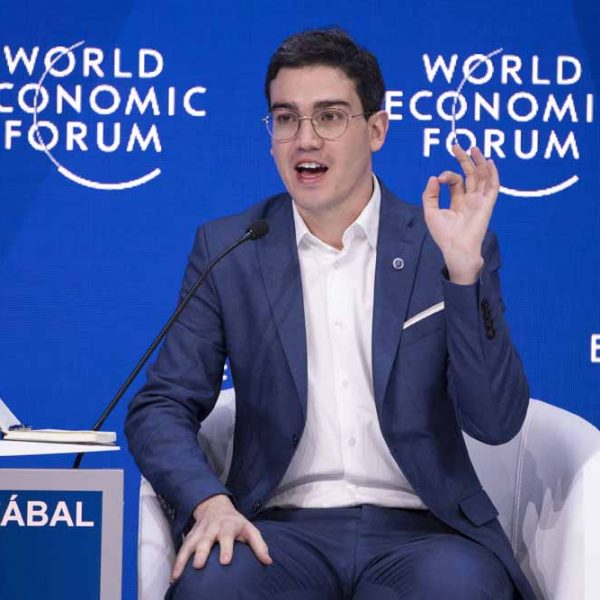 Juan David Aristizábal Copresidente Foro Económico Mundia 2019