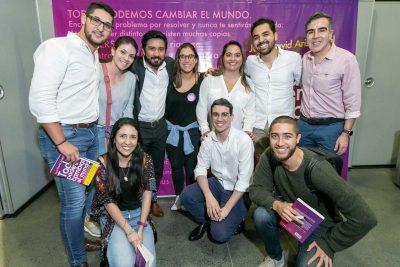Equipo lanzamiento Todos podemos Cambiar el Mundo Libro Juan David Aristizábal - Medellín